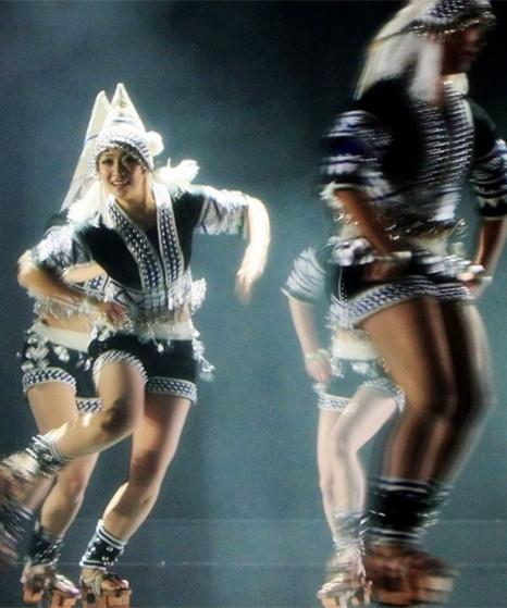 哈尼族木屐舞