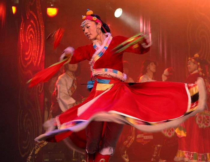 昆明藏族舞蹈