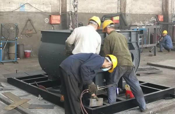云南必威体育官网bw1958搅拌机生产车间
