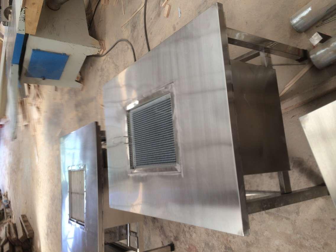 云南不锈钢烧烤桌厂家