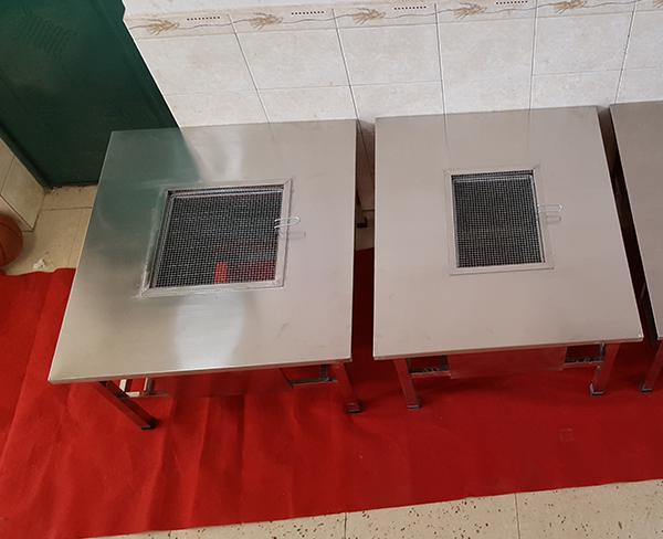 云南不锈钢烧烤桌子生产