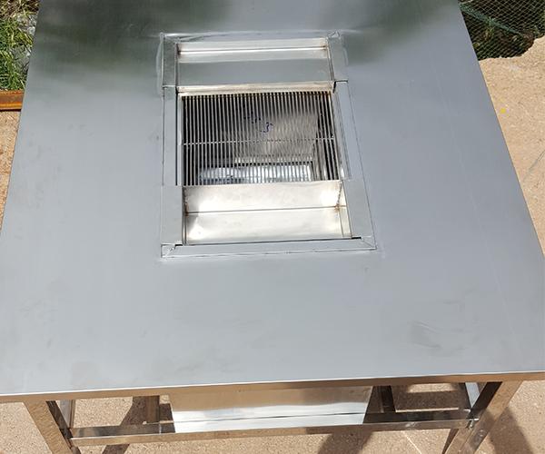 云南不锈钢烧烤桌子生产厂家