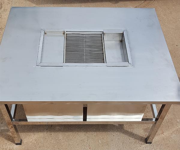 云南不锈钢烧烤桌子生产销售