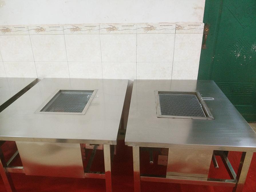 云南无油烟烧烤桌子生产厂家