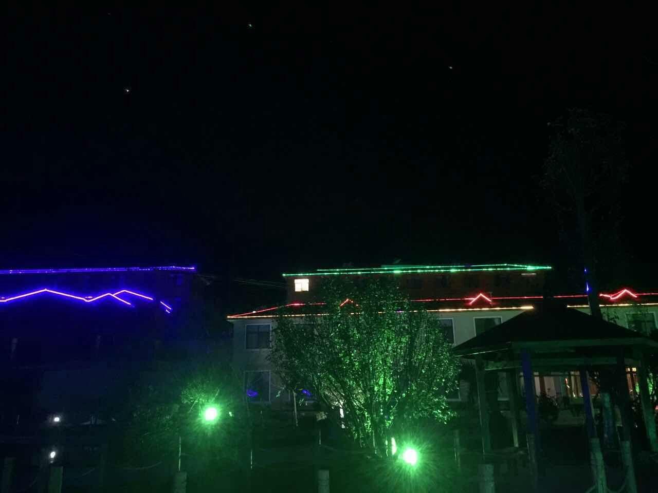 昆明山庄夜景