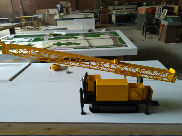 黄色的设备沙盘模型
