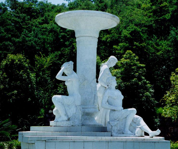 西双版纳塑雕浮雕