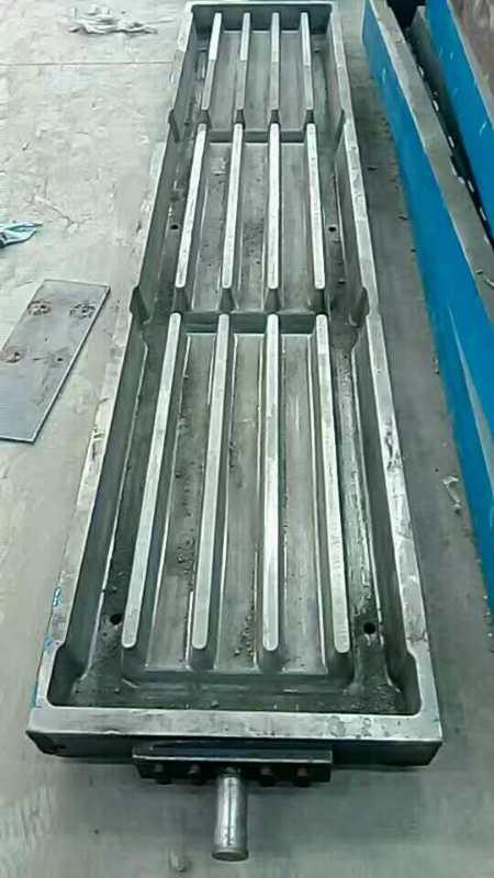 浅析漏粪板模具热流道注塑工艺的优势.