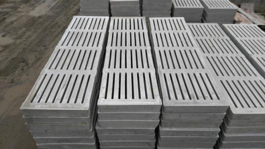 云南猪舍水泥漏粪板质量差会带来什么影响