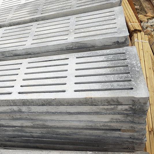云南水泥漏粪板厂家谈谈自制水泥漏粪板好处
