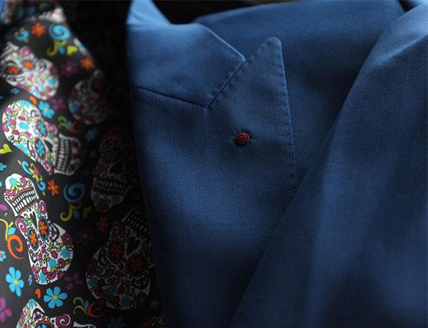 手工定制西服的面料和颜色选择要适合自身肤色