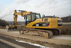 卡特挖掘机修理师傅教你如何避免挖掘机掉链子?