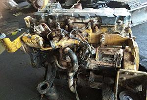 卡特挖掘机发动机维修