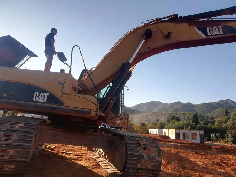 云南卡特挖掘机维修电话