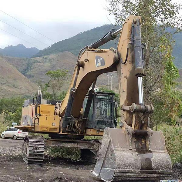 专业挖掘机维修