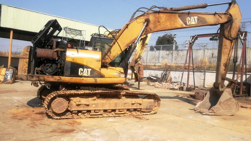 昆明卡特挖掘机修理价格