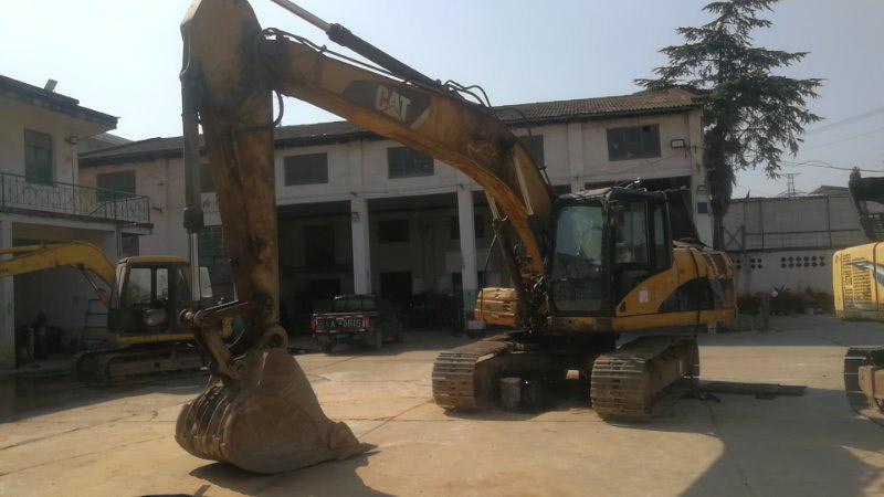 云南卡特挖掘机修理价格