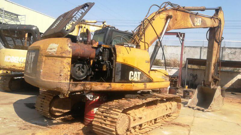 昆明卡特挖掘机维修服务