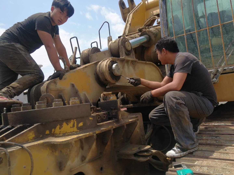卡特挖掘机维修