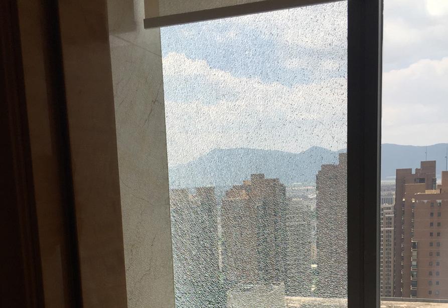 温德姆大酒店行政走廊中空LOW-E镀膜玻璃损坏