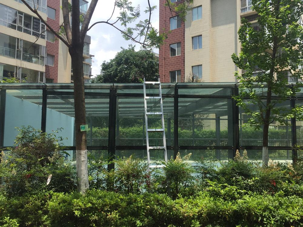 """""""托管式"""" 既有玻璃幕牆維護保養服務"""