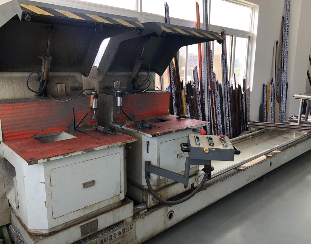云南万博全站客户端铝门窗生产