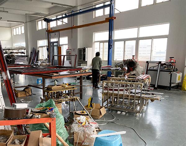 云南万博全站客户端铝合金门窗多少钱一平米