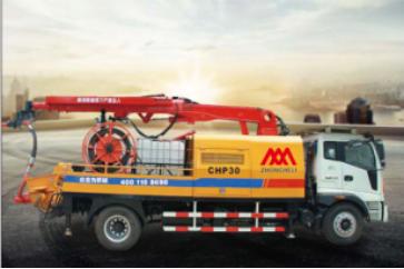 如何防止小型混凝土输送泵车发生侧翻?