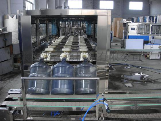 大桶水灌装设备的结构组成部分