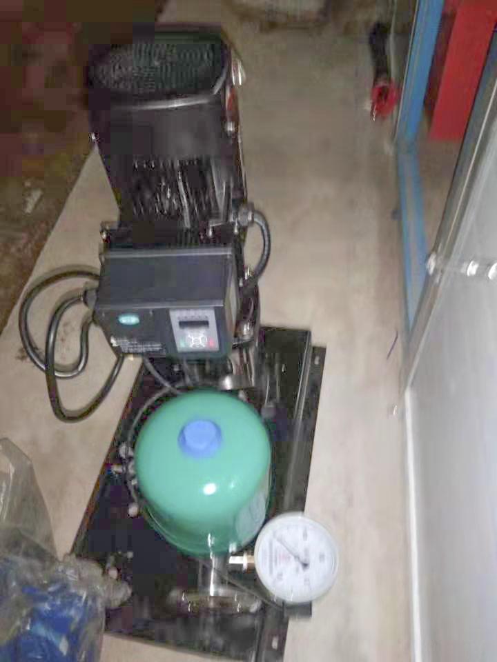 西安高新區第六學校變頻泵到位