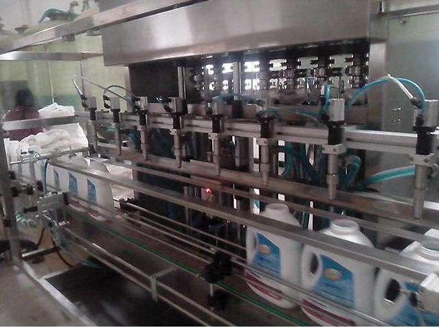 袋装洗衣液灌装机