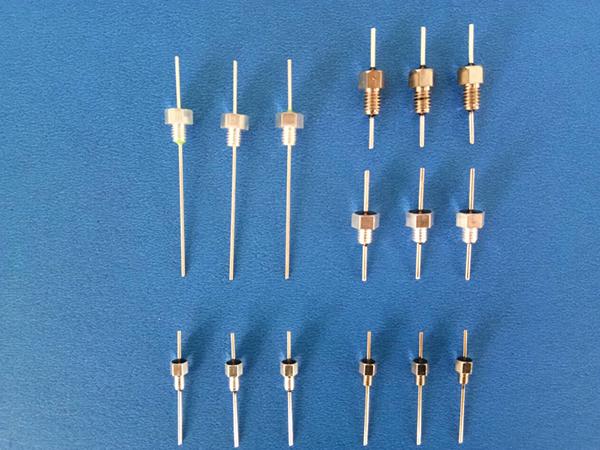 螺纹穿心电容器