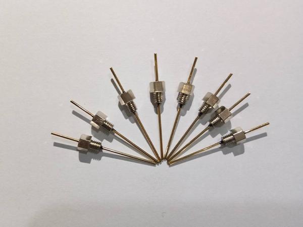 带螺纹引线穿心电容器
