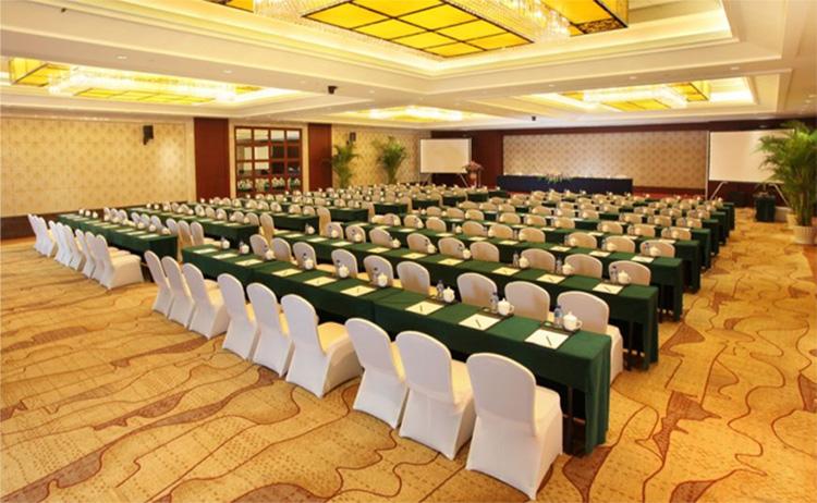 会议策划过程中需要准备的器材有哪些?