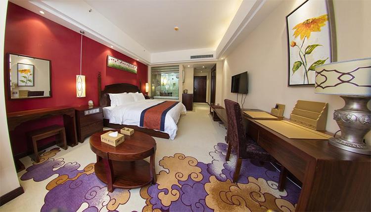 香格里拉天瑞阳光酒店-香格里拉会议酒店客房环境展示