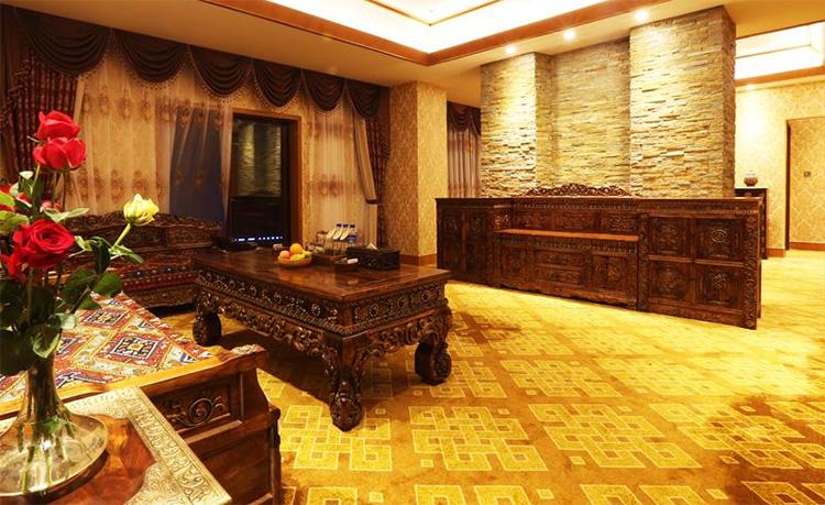 香格里拉大峡谷巴拉格宗藏式生态大酒店预订价格