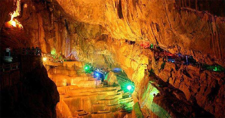 昆明石林芝云洞旅游景区