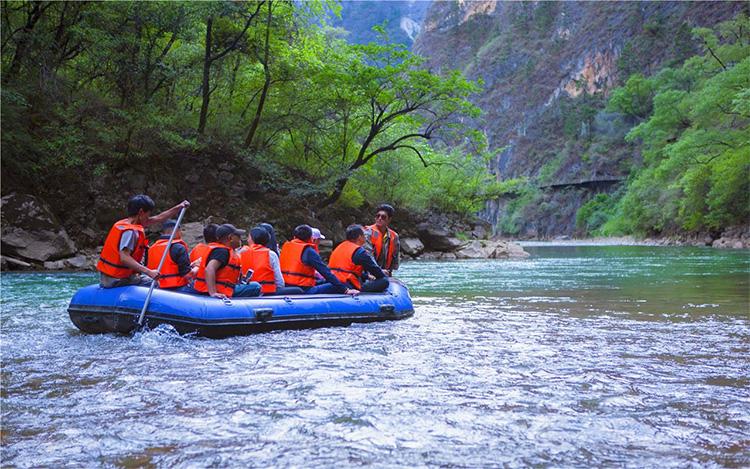 香格里拉大峡谷巴拉格