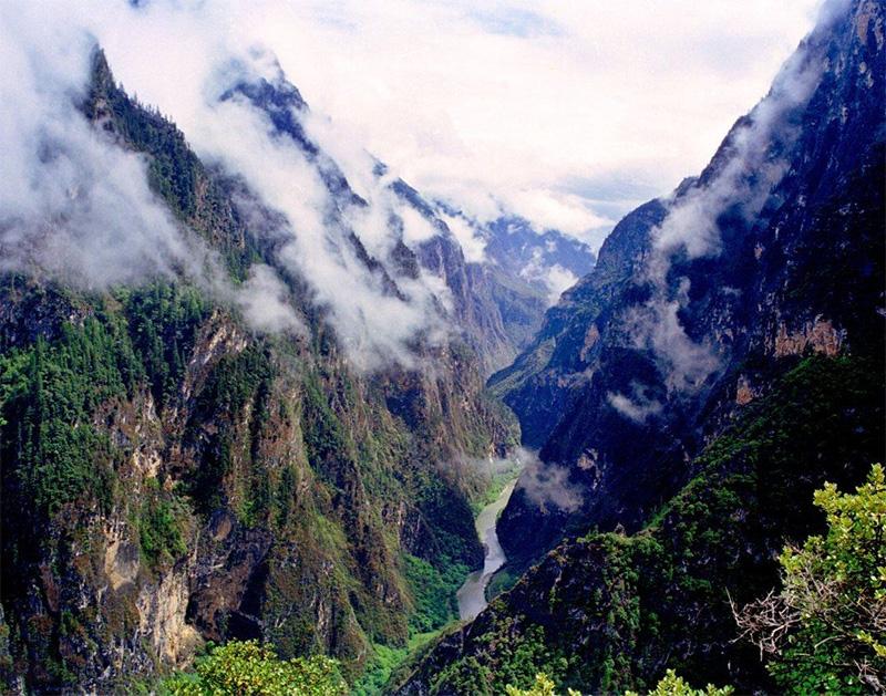 香格里拉大峡谷巴拉格宗
