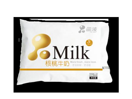 牛奶饮用时错误的方法会导致营养流失