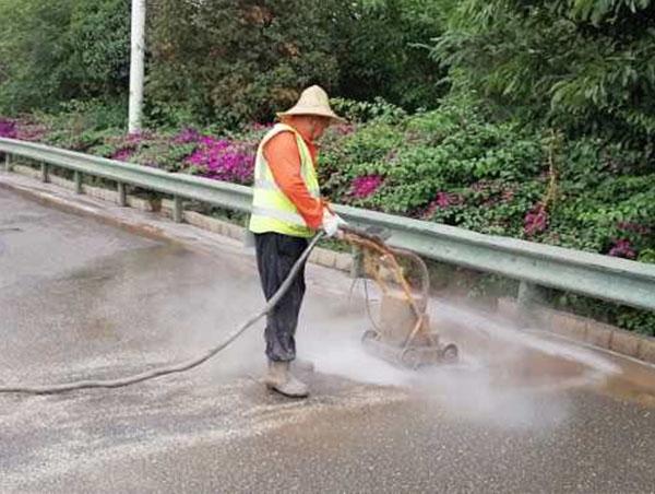 道路水除线是按照什么来收费的