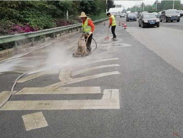 对道路划线现场施工的步骤进行讲解