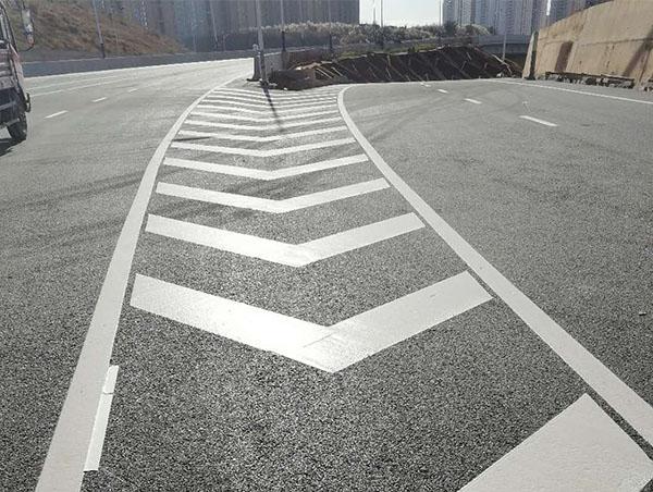 管理维护公路交通标线主要有以下几项任务