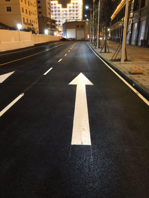 使用这些技巧能快速完成道路划线工程