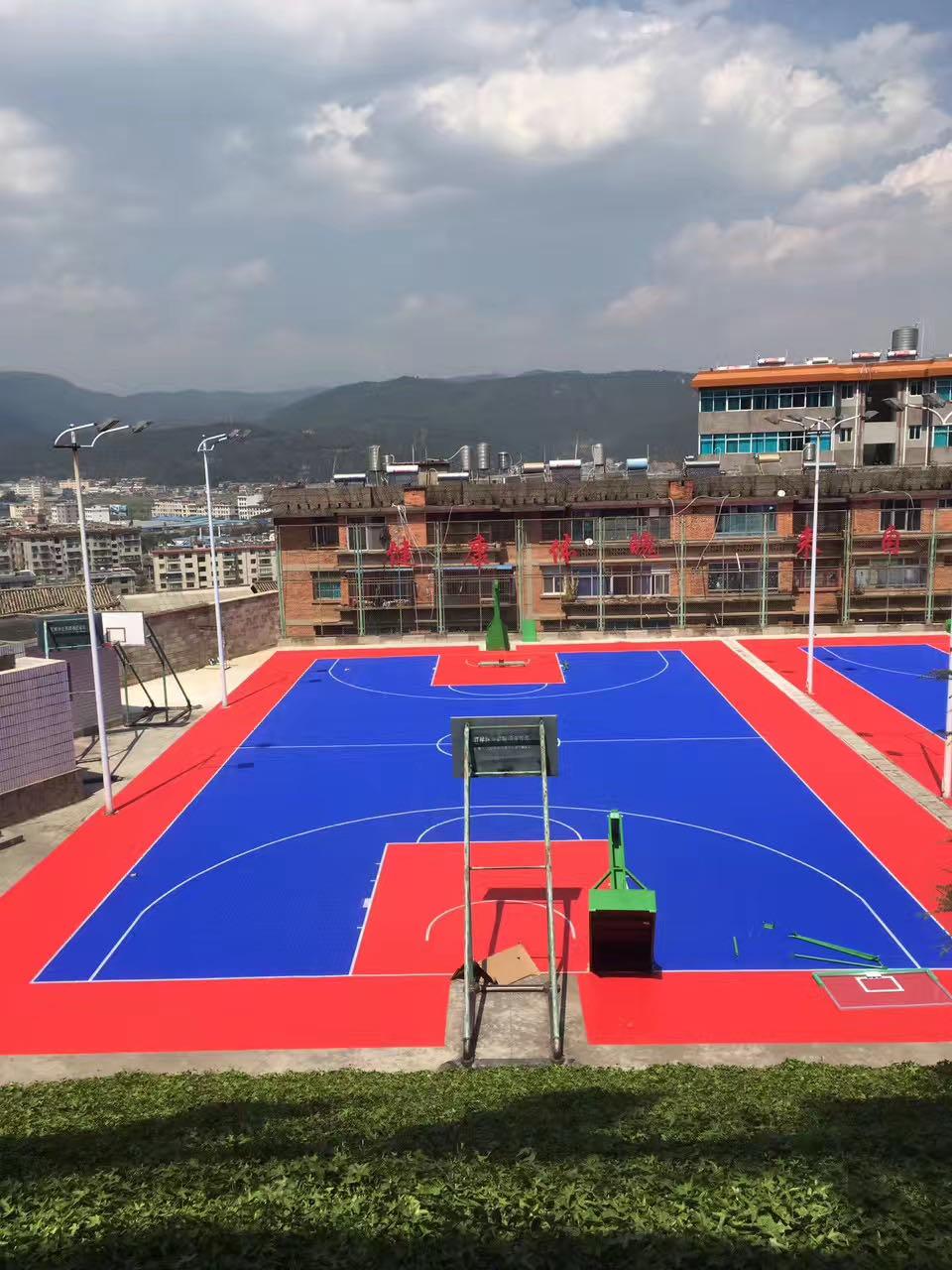 悬浮式地板篮球场
