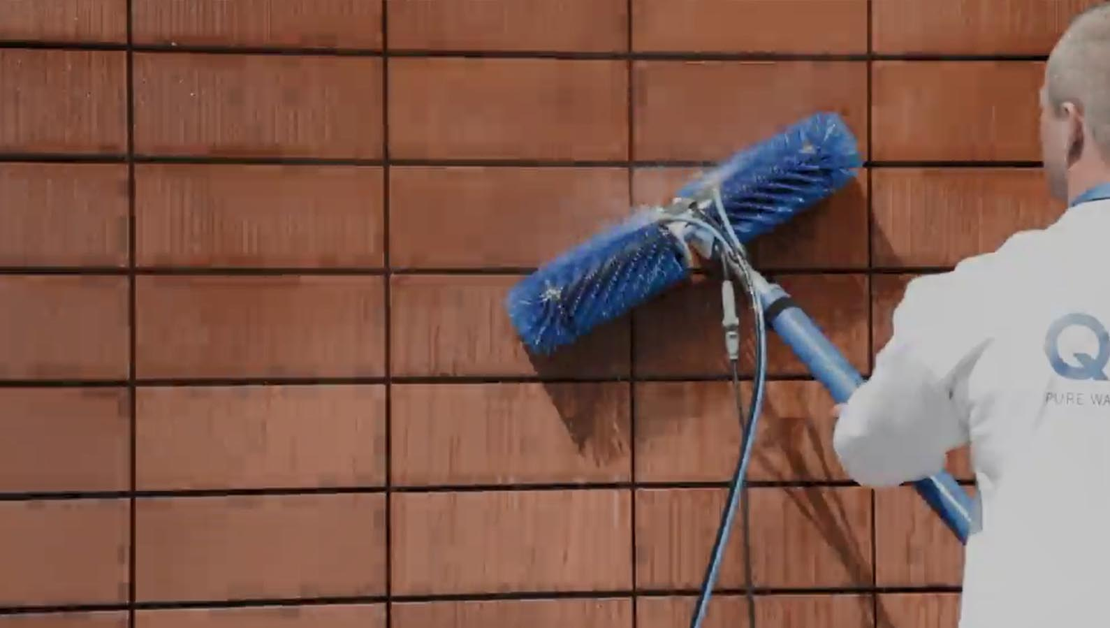 太阳能光伏板清洗设备