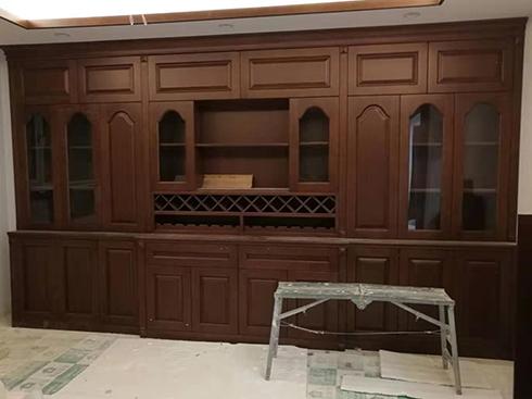 整体实木酒柜