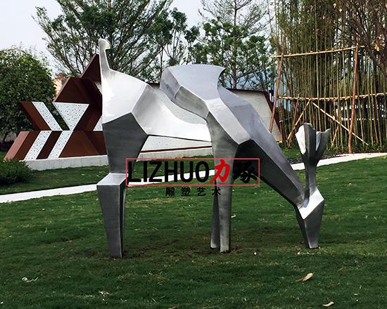 厦门抽象不锈钢小鹿雕塑