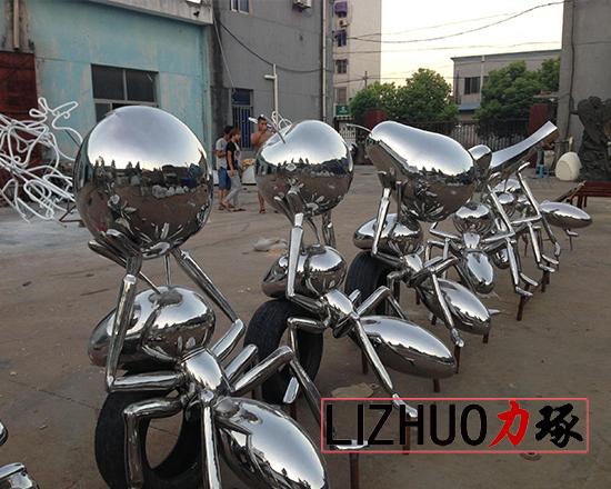 了解莆田玻璃钢雕塑的用途
