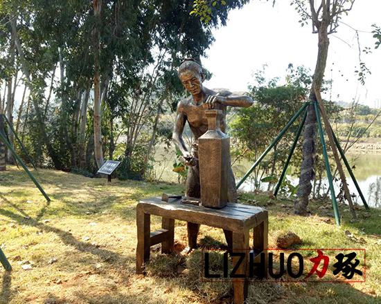传统工艺人物雕塑